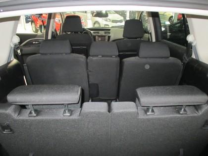 interieur-voiture-mazda